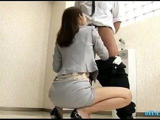 Office Lady Giving Blowjobs For 2 Guys Cums To Mouth In The Toilette